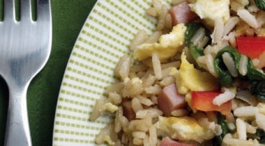 stir-fry with eggs, ham, greens and red peppers