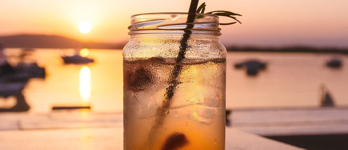 ice tea in mason jar