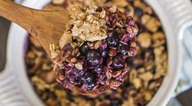 blueberry crisp with granola
