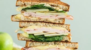 sandwich with udi's gluten-free white bread