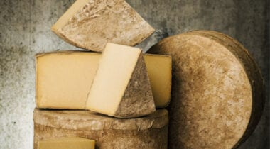 Cabbot Cloth Bound Cheddar Cheese