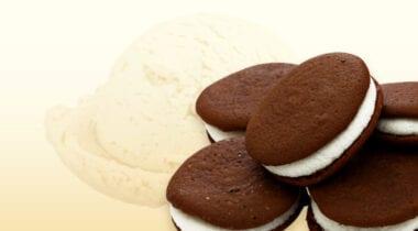 vanilla ice cream with Whoopie pie pieces