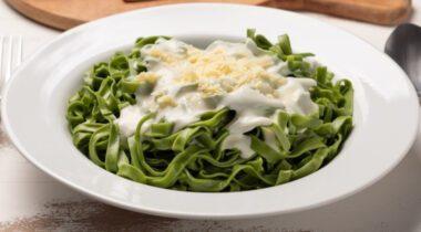 green spinach fettuccine